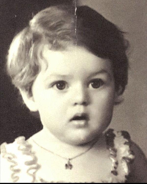 عکس کودکی هدیه بازوند