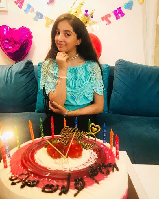 عکس تولد روژان تقی زاده