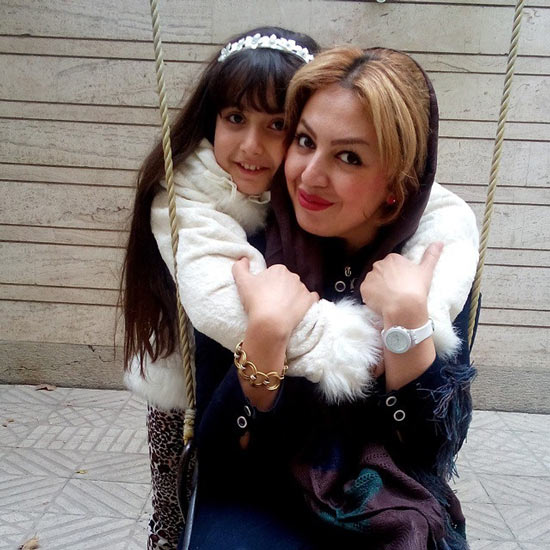 روژان تقی زاده و مادرش