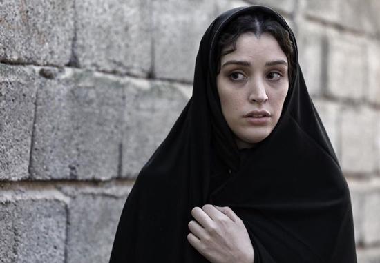 پادینا کیانی با حجاب