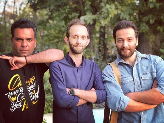 میلاد میرزایی در کنار دستیاران کارگردان سریال شرم