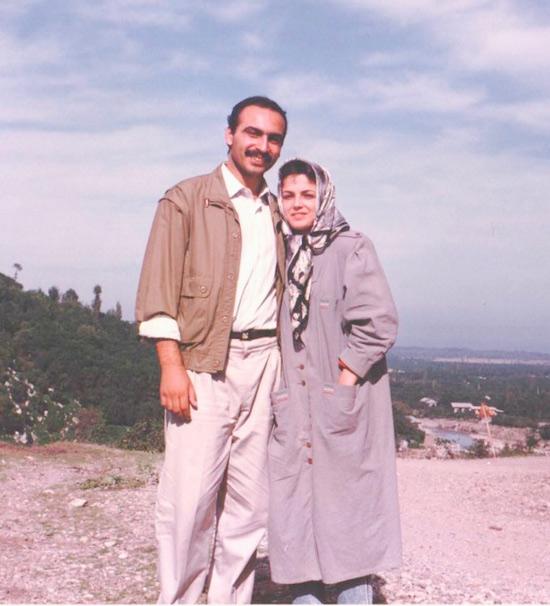 عکس پدر و مادر نیلوفر کوخانی