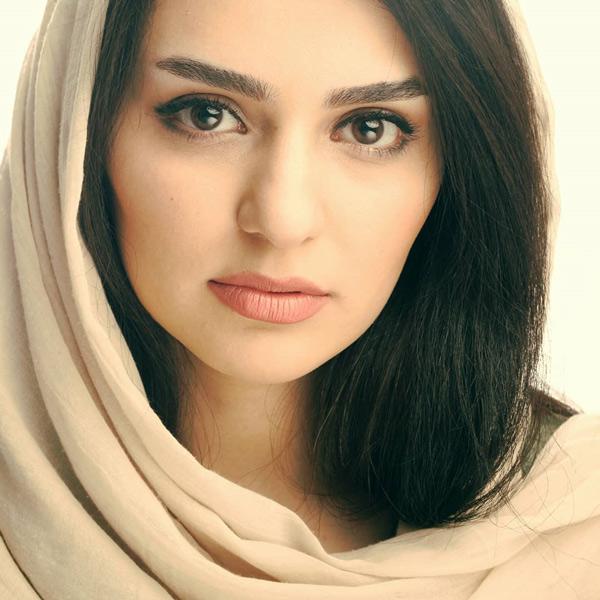 روژین رحیمی طهرانی بی حجاب