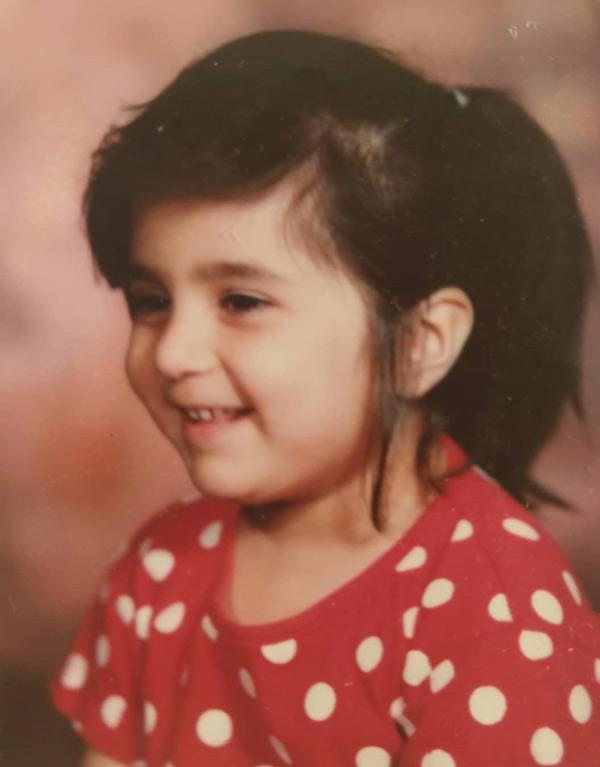 عکس کودکی روژین رحیمی طهرانی