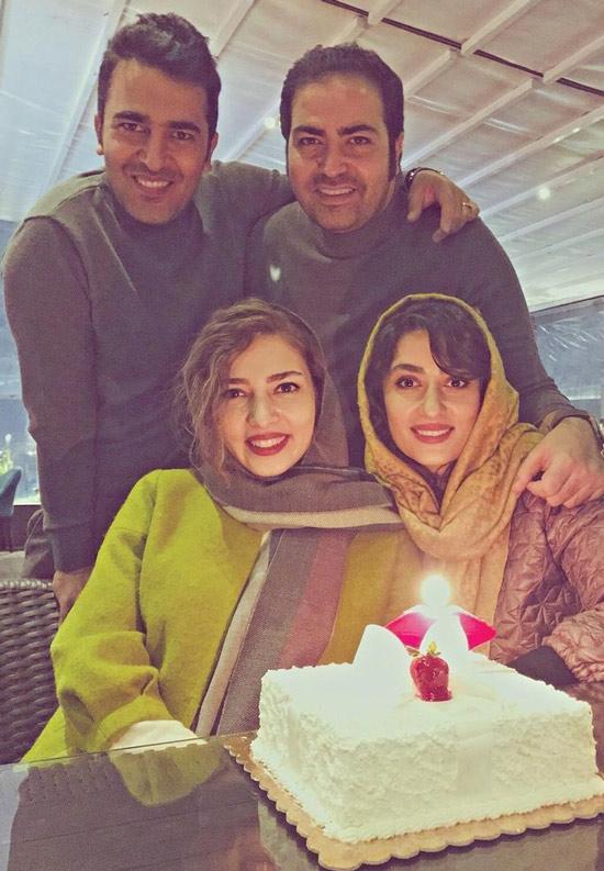 حامد احمدجو در کنار خواهرش محدثه احمدجو برادرش حسین احمدجو و همسرش الهام طهموری