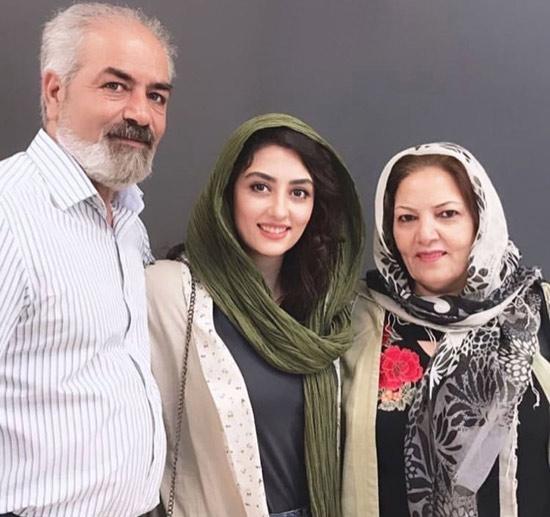 عکس پدر، مادر و همسر حامد احمدجو